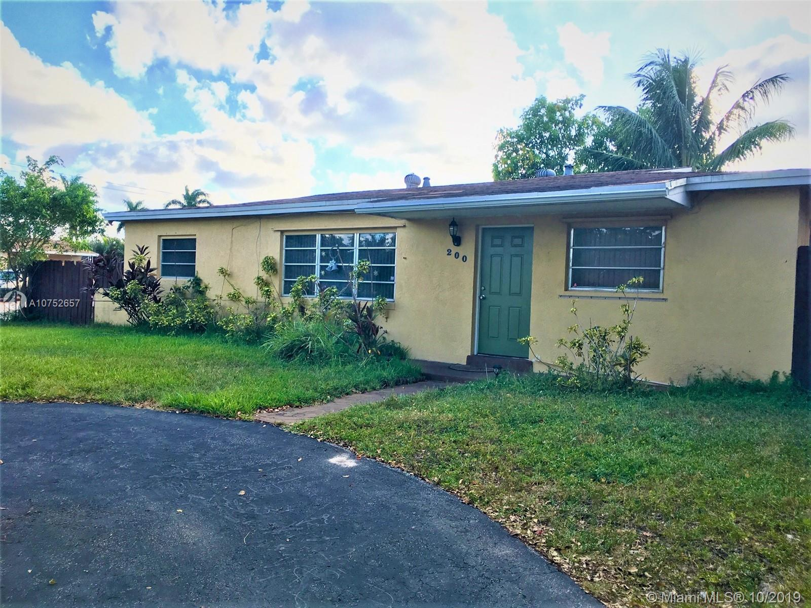 200 N 68th Way  For Sale A10752657, FL