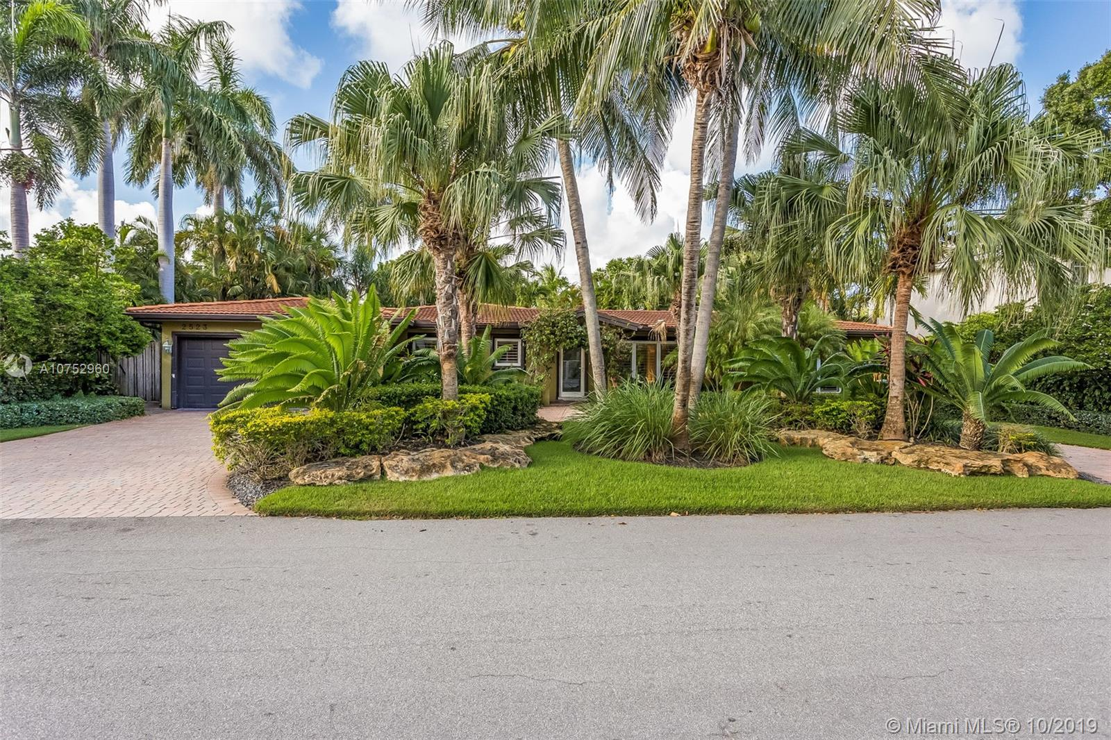 2523 N E 23rd St  For Sale A10752960, FL