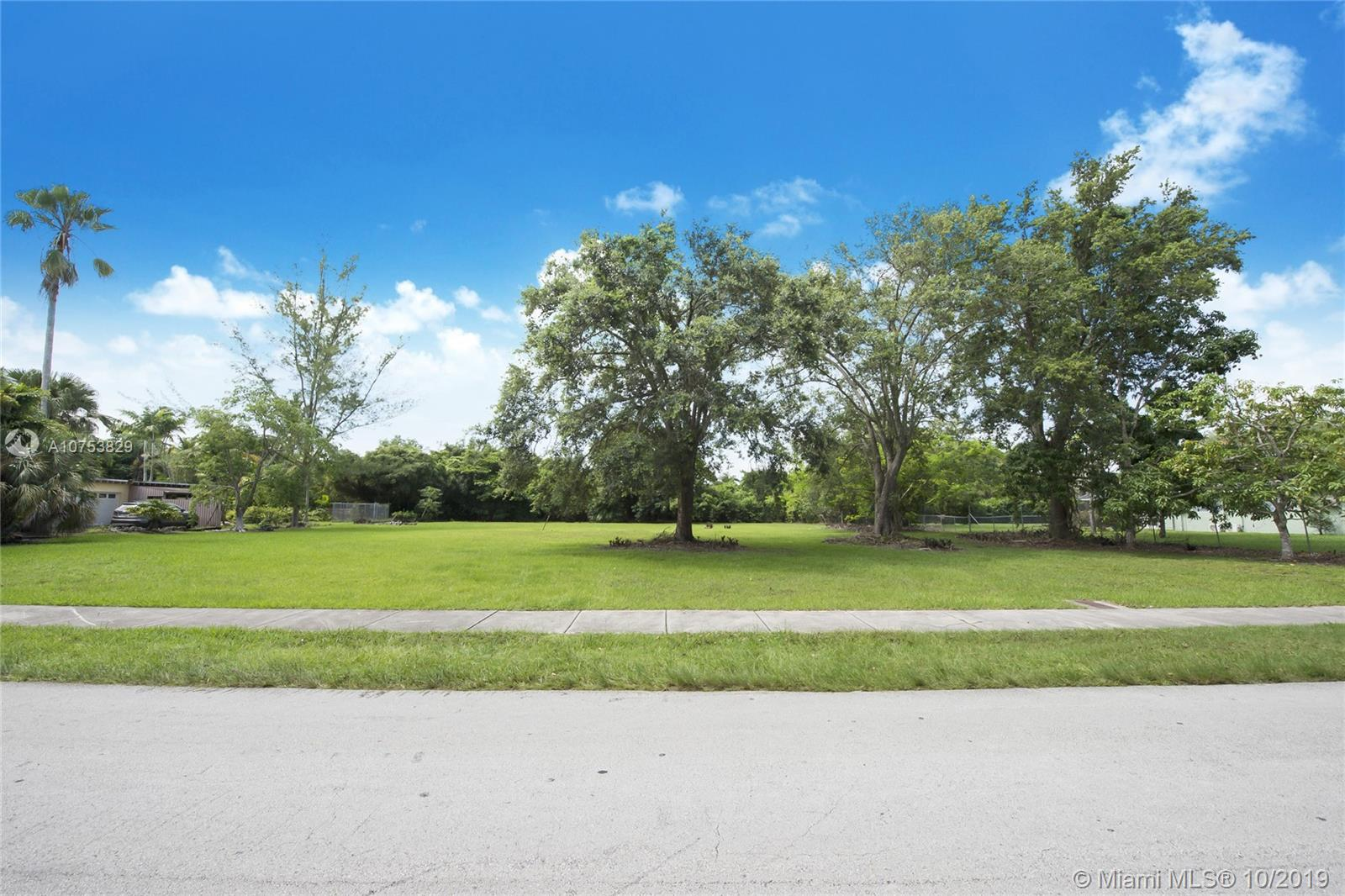 7750 SW 117 St  For Sale A10753829, FL