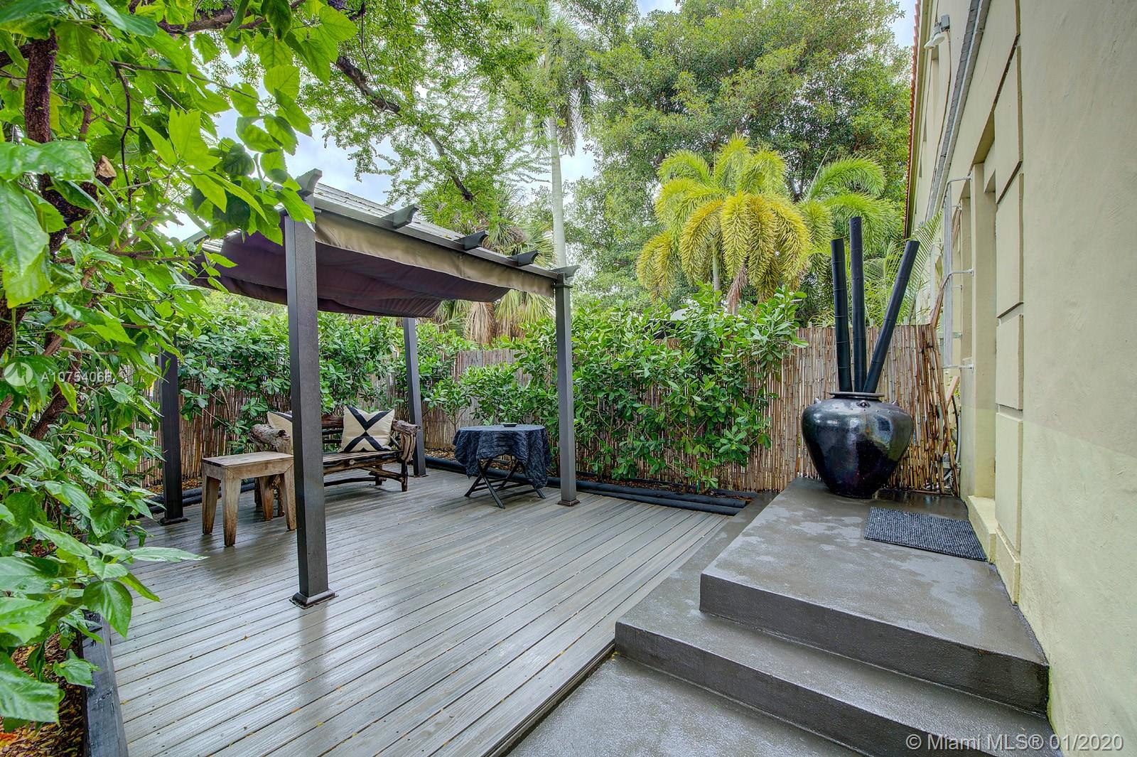 439  15th St #22 For Sale A10754066, FL
