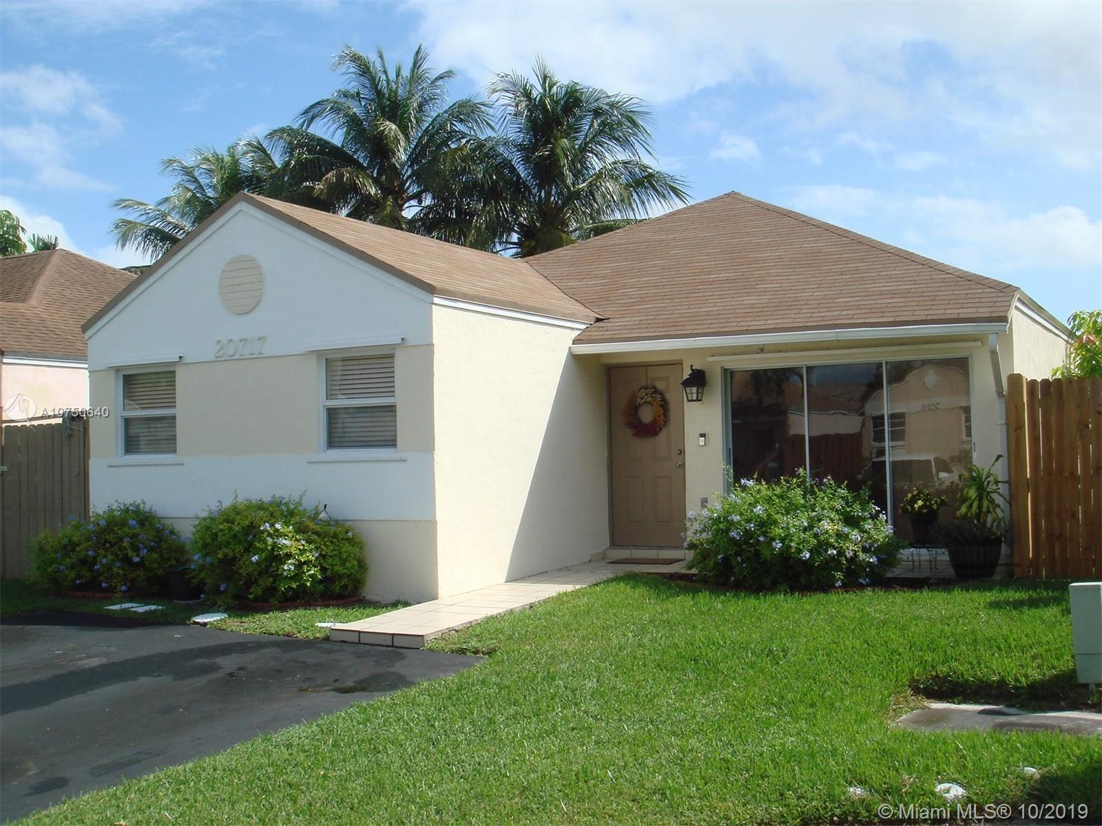 20717 SW 105th Ct  For Sale A10750640, FL