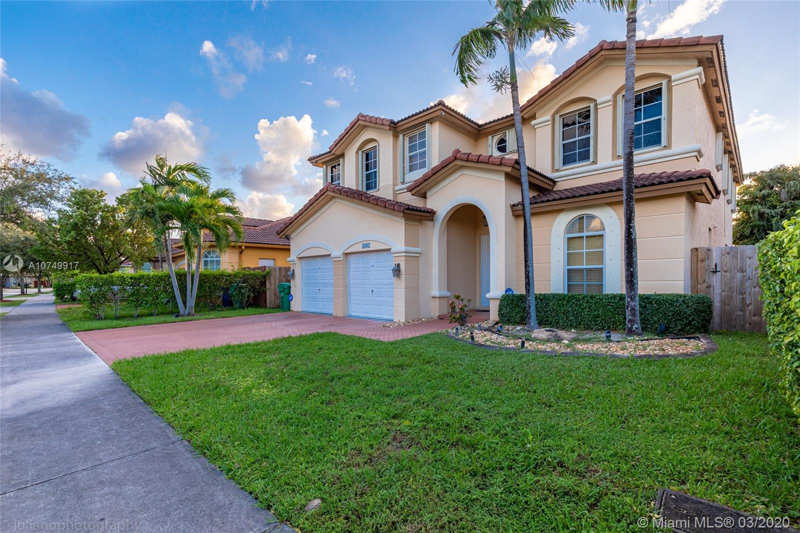 8542 NW 111th Ct  For Sale A10749917, FL