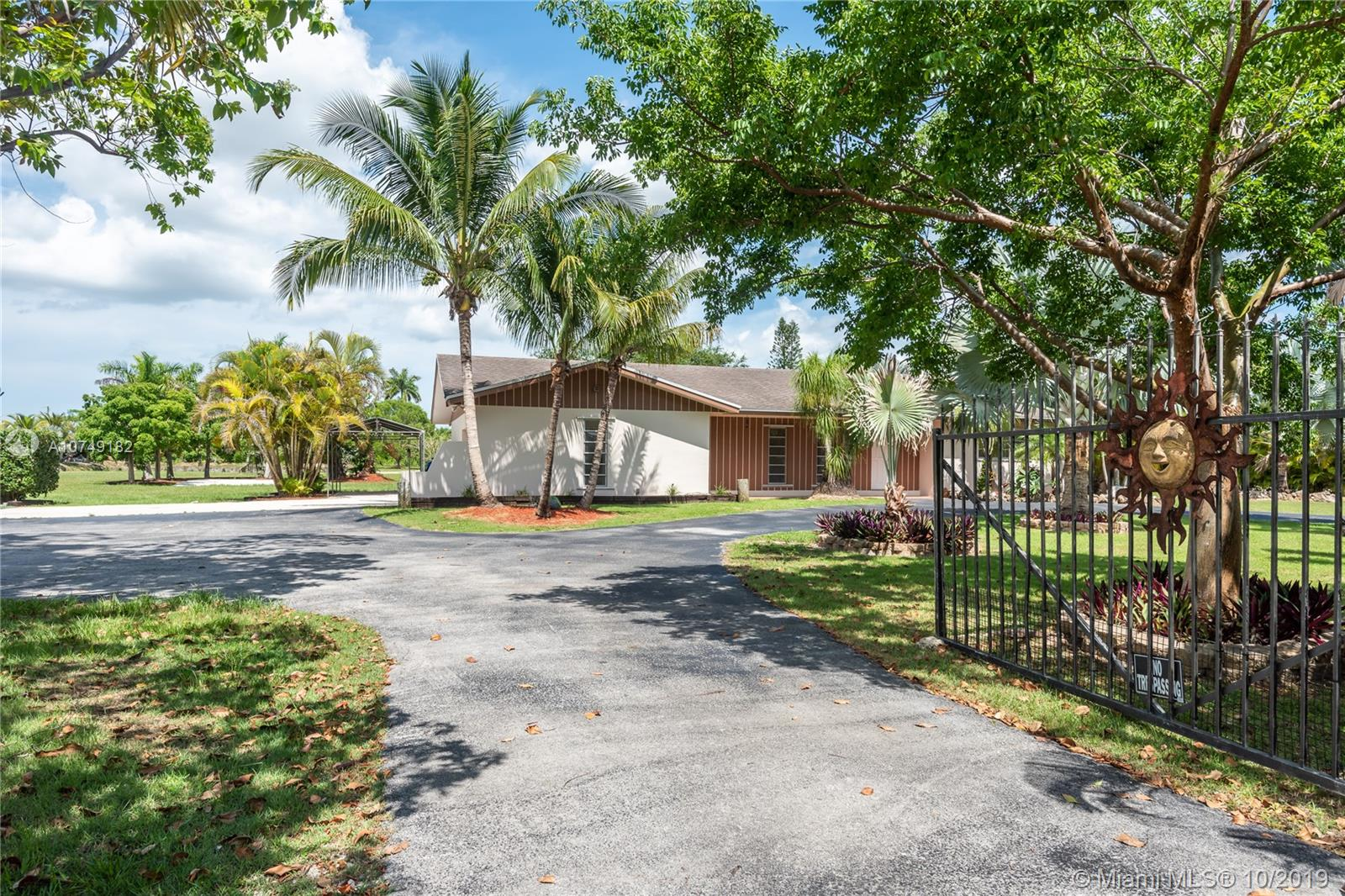 30815 SW 194th Ave  For Sale A10749182, FL