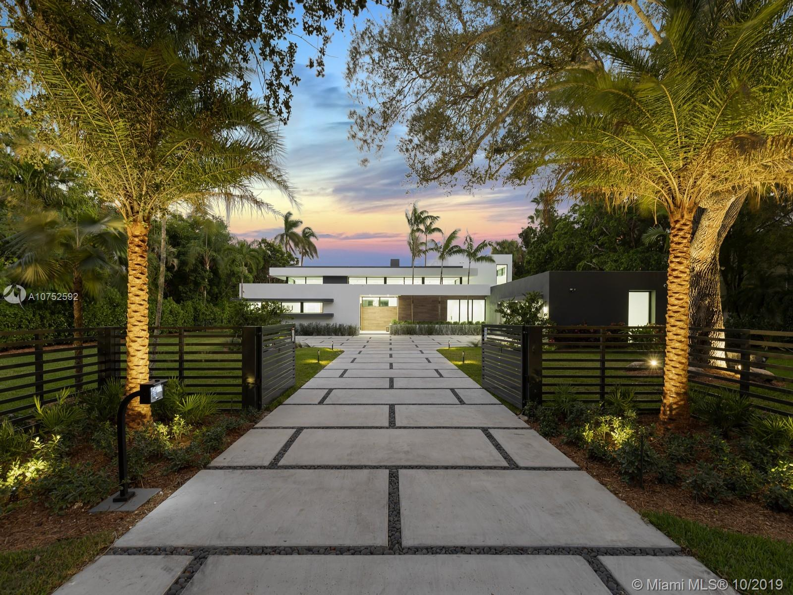 7502 SW 102nd St  For Sale A10752592, FL