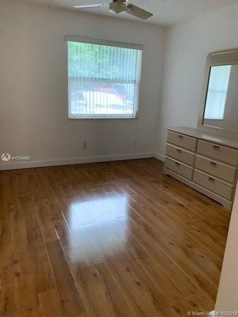 3211 SW 44 #115 For Sale A10754650, FL