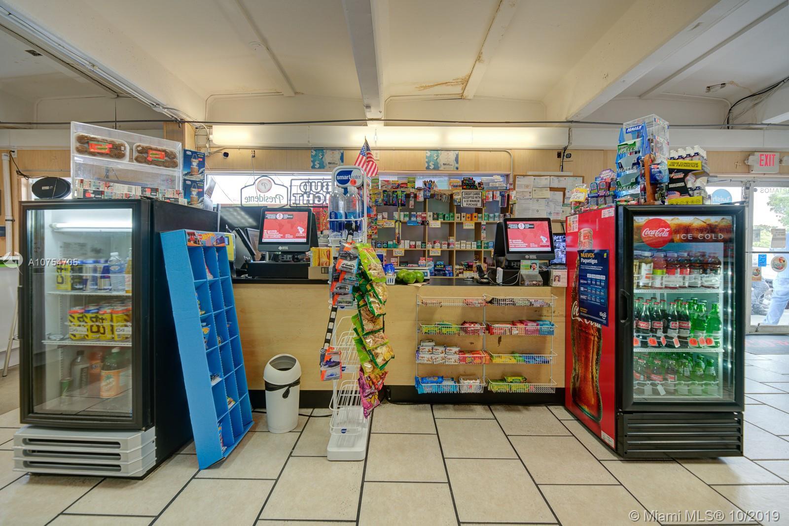 Mini Market by FIU, Sweetwater, FL 33199