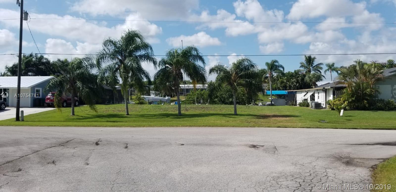 798 SE Seahouse Dr, Port St. Lucie, FL 34983