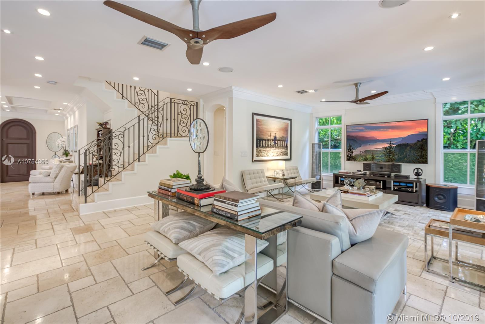 3811  Crawford Ave  For Sale A10754353, FL
