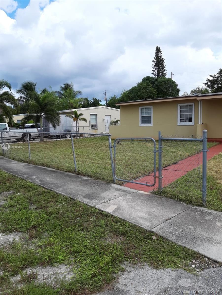 1020 NW 12th St  For Sale A10737379, FL
