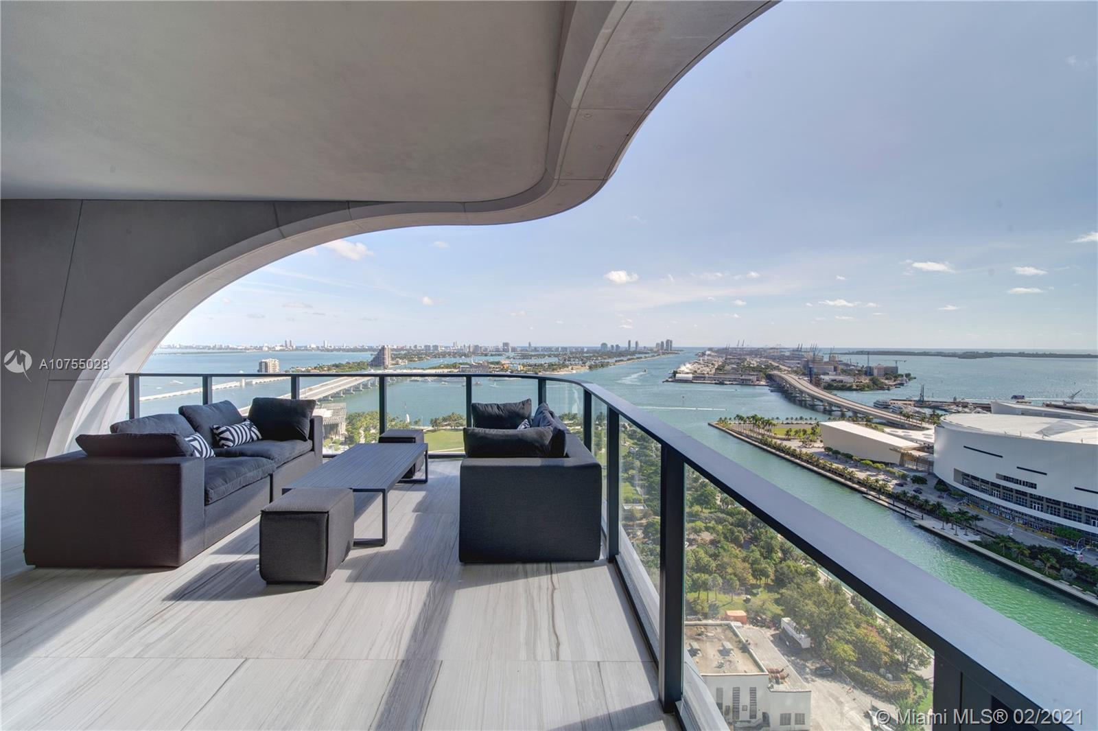 Zaha Hadid's visionary architecture comes to life once again with One Thousand Museum Miami: the 62-story tower was built to impress, boasting landmark design and featuring a private collection of half-floor residences and full-floor penthouses for a total of 83 limited collection museum-quality residences. This amazing residence located on the 25th floor features SE exposures; corner flow- thru unit has amazing views of Biscayne Bay, downtown Miami and gorgeous sunset views. This uniquely privileged development sets a high bar with its extraordinary amenities and unprecedented level of service.Interiors are designed and fully customized by German industrial and luxury designer Uli Petzold.