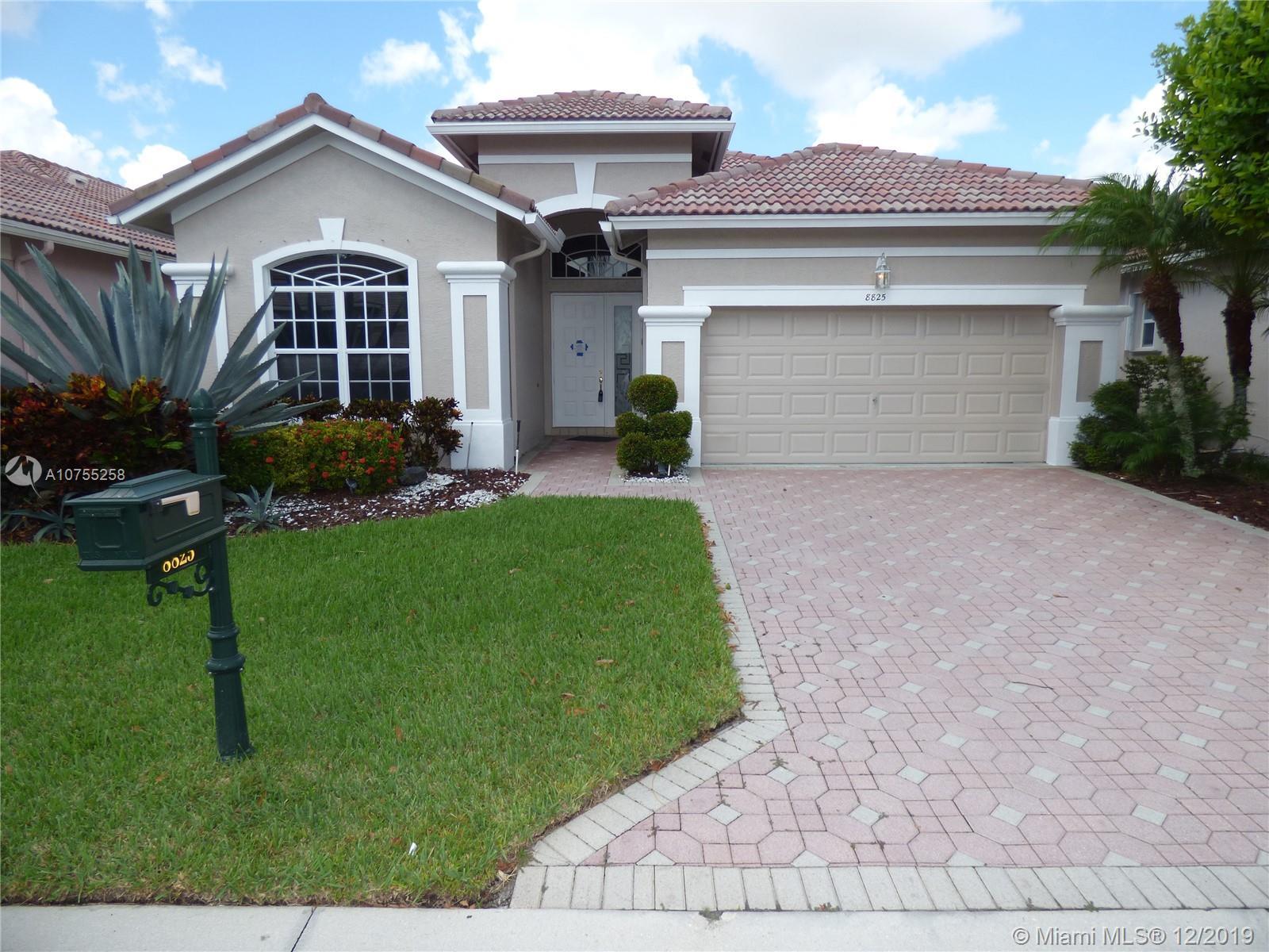 8825 Creston Ln, Boynton Beach, FL 33472