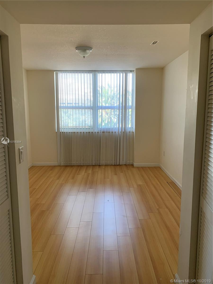 19501 W Country Club Dr #312 For Sale A10755304, FL