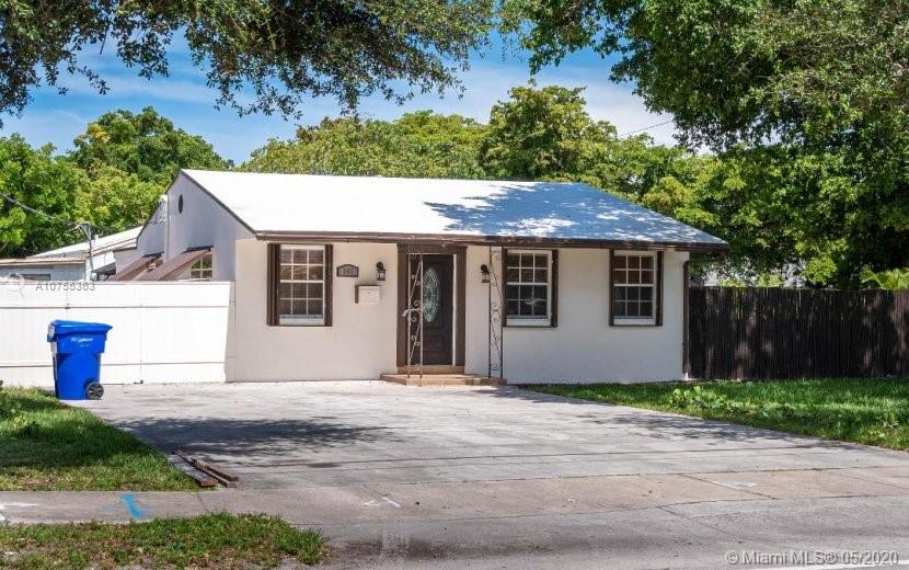 301 N 28th Ave  For Sale A10755363, FL