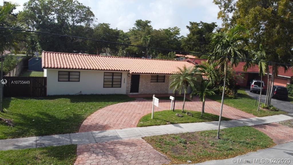 14440 Harris Pl, Miami Lakes, FL 33014