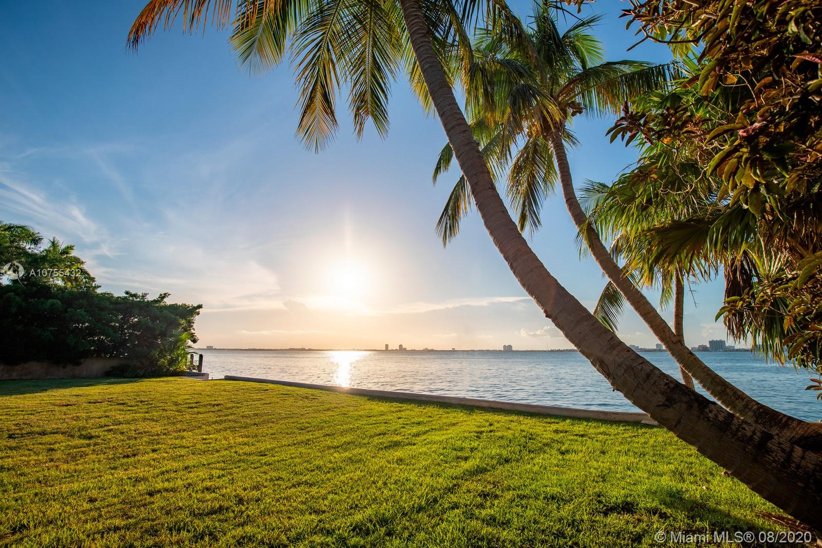 4766 N Bay Rd  For Sale A10755432, FL