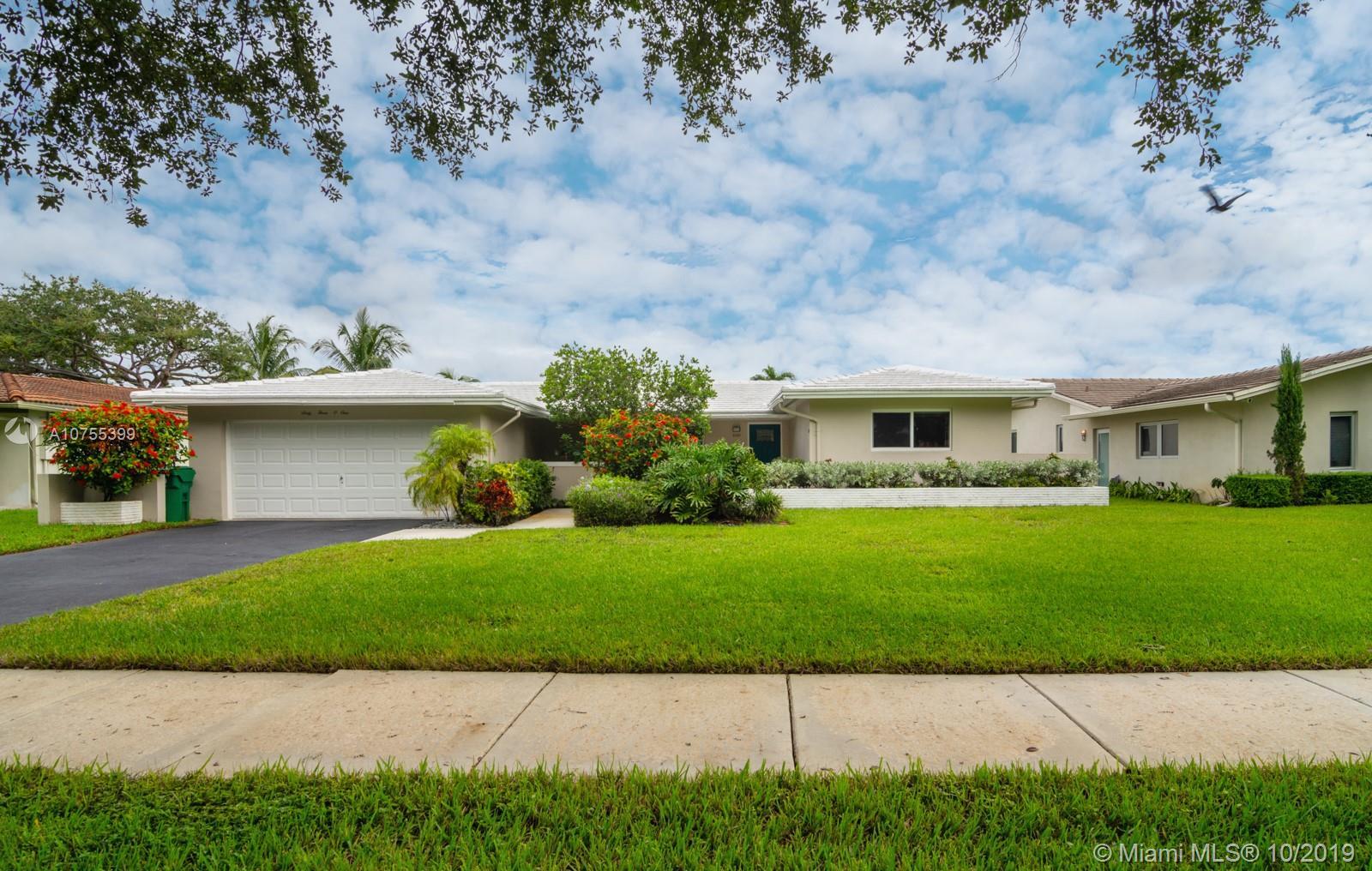 6301 Lake Patricia Dr, Miami Lakes, FL 33014