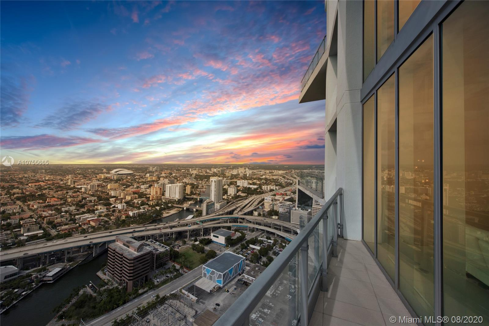 92 SW 3rd St #5205 For Sale A10755665, FL