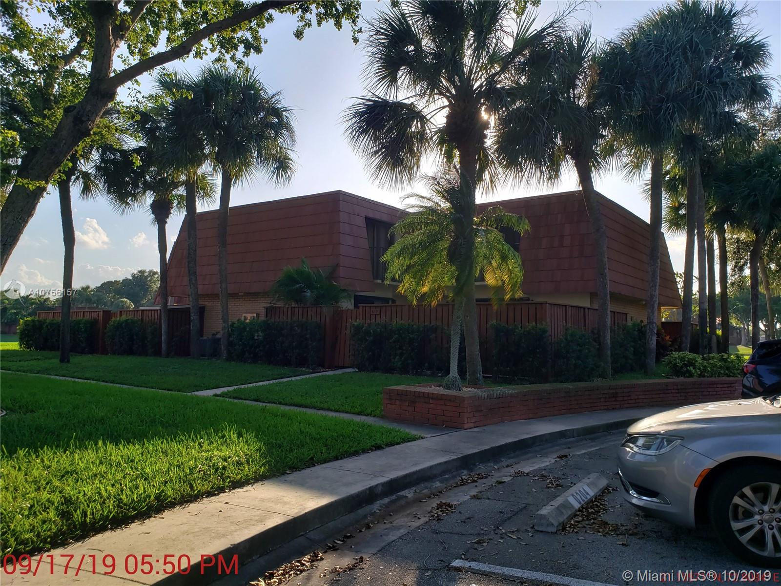517 Live Oak Ln 517, Boynton Beach, FL 33436