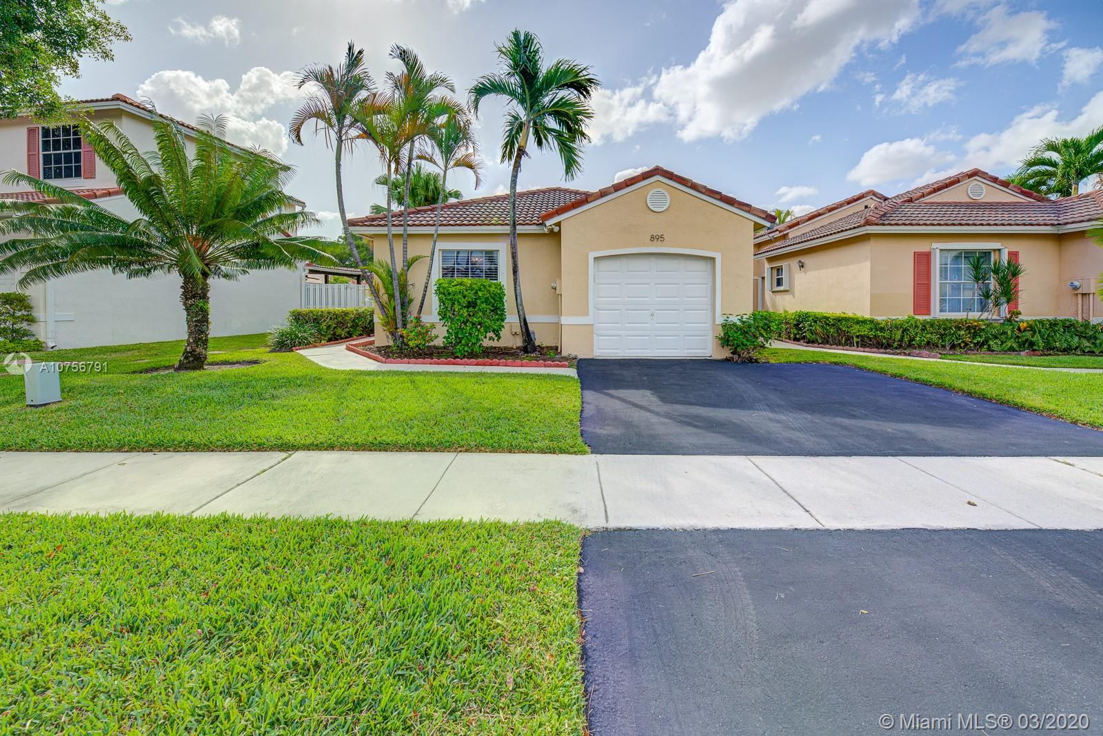 895 SW 180th Ter  For Sale A10756791, FL