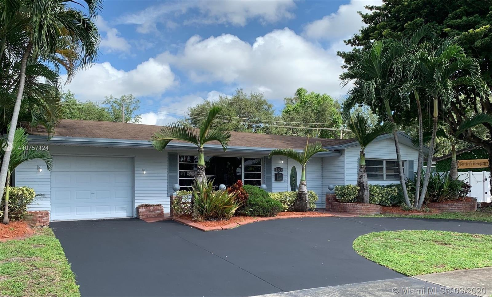 3331 W Park Rd  For Sale A10757124, FL