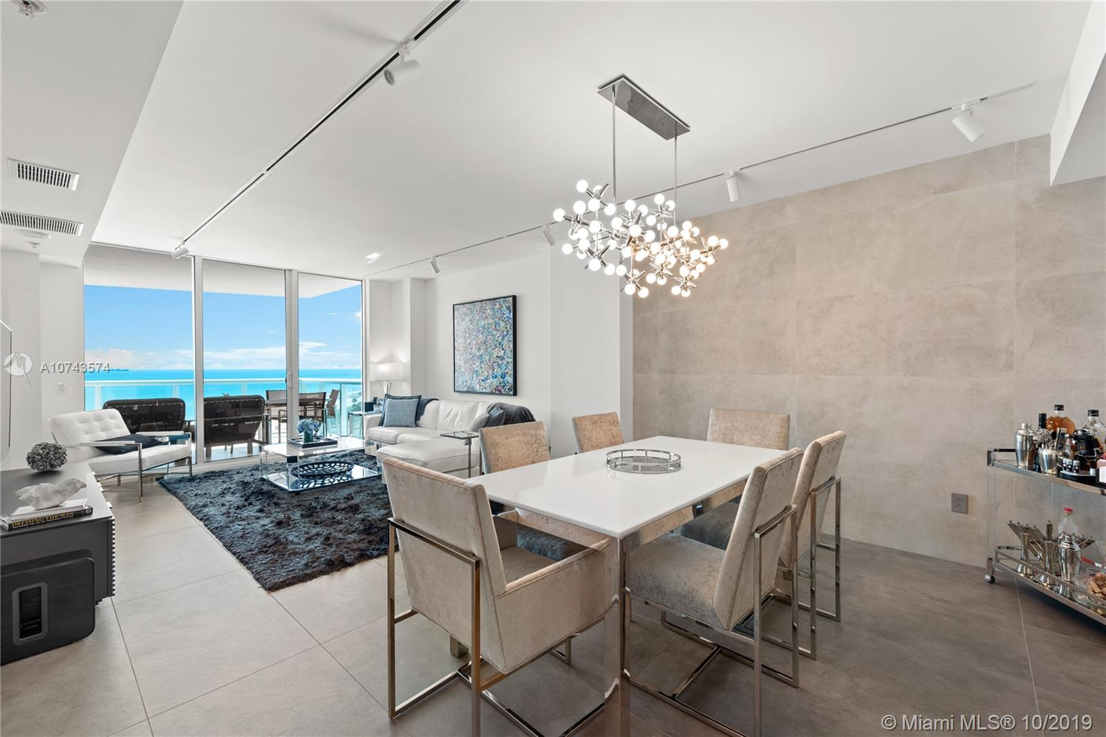 3801  Collins Ave   1005