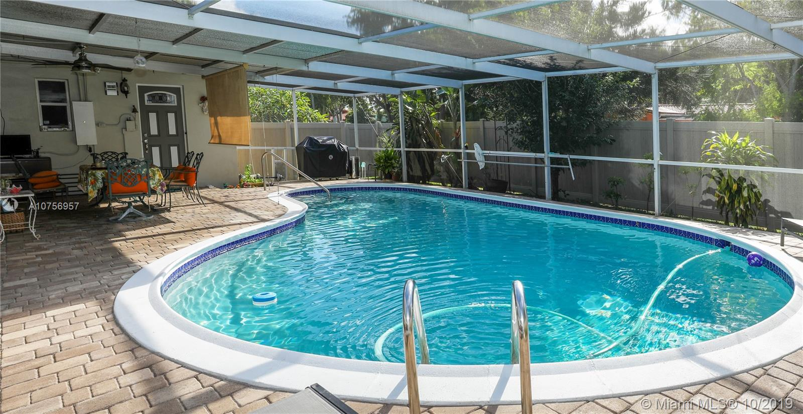 1321 S 16th Ave  For Sale A10756957, FL