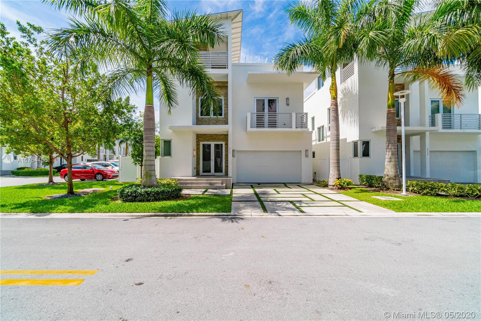 8220 NW 34th St  For Sale A10754486, FL