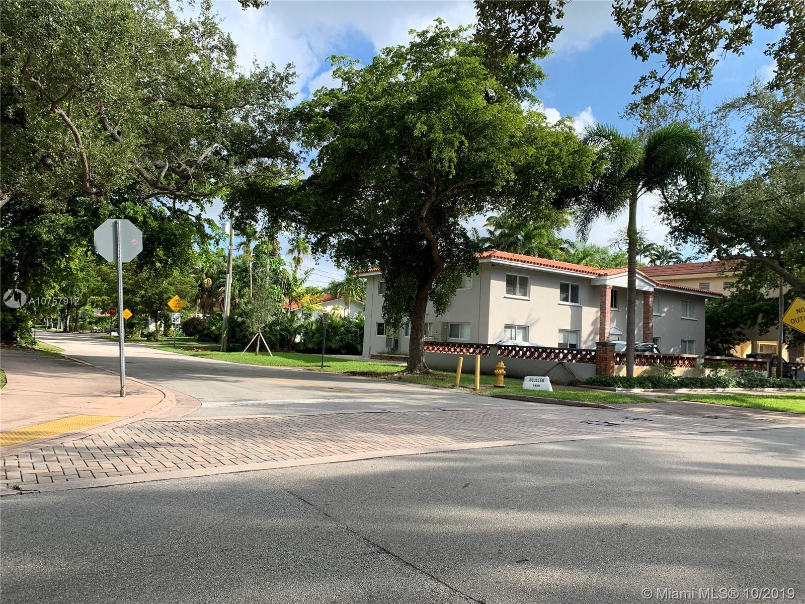 1  Edgewater Dr #104 For Sale A10757912, FL