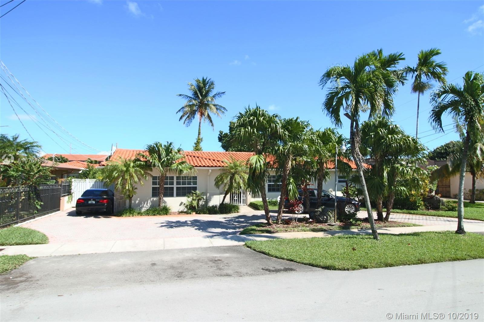 1215 SW 90th Ave, Miami, FL 33174