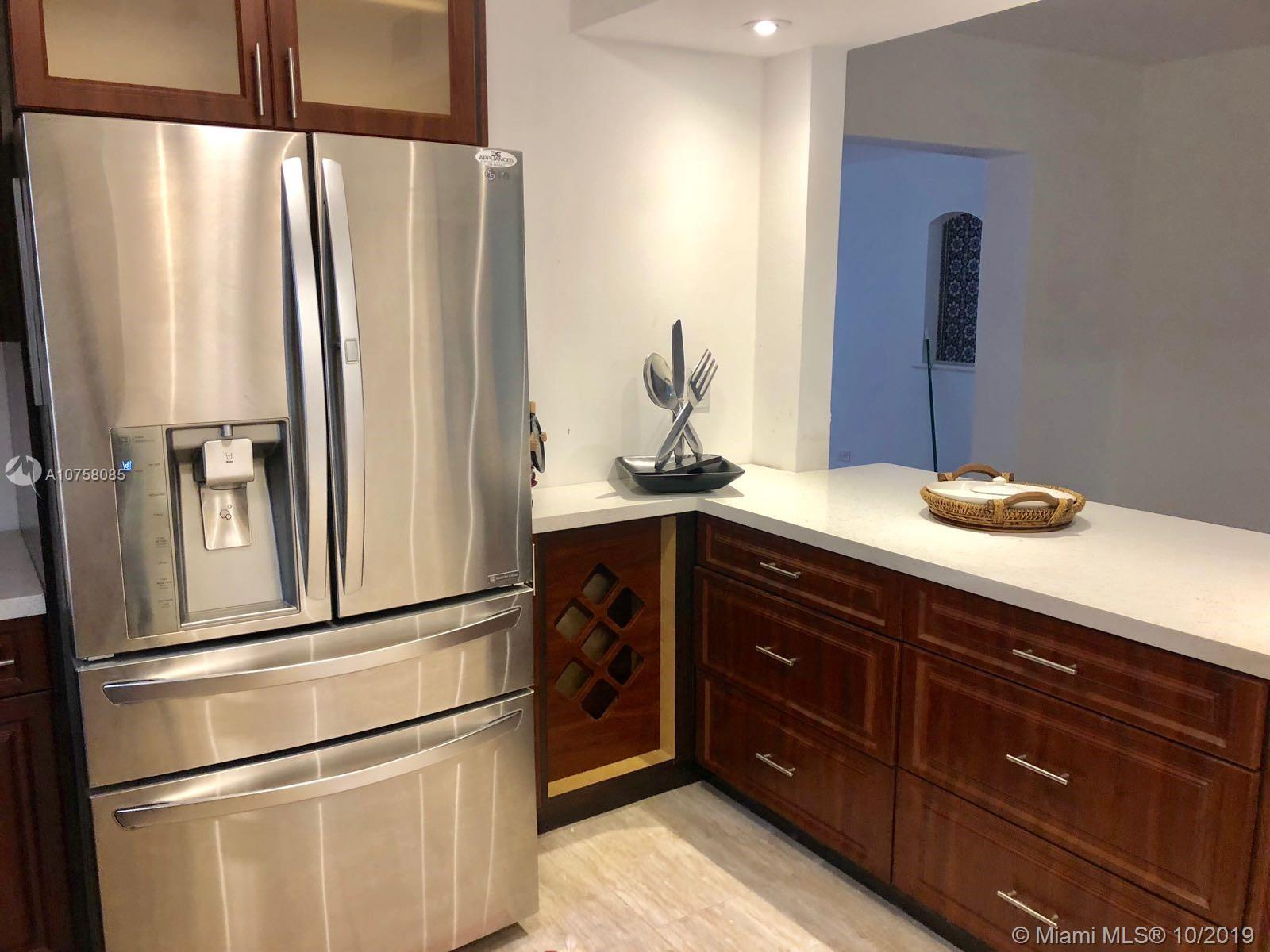 1015 W 47th St  For Sale A10758085, FL