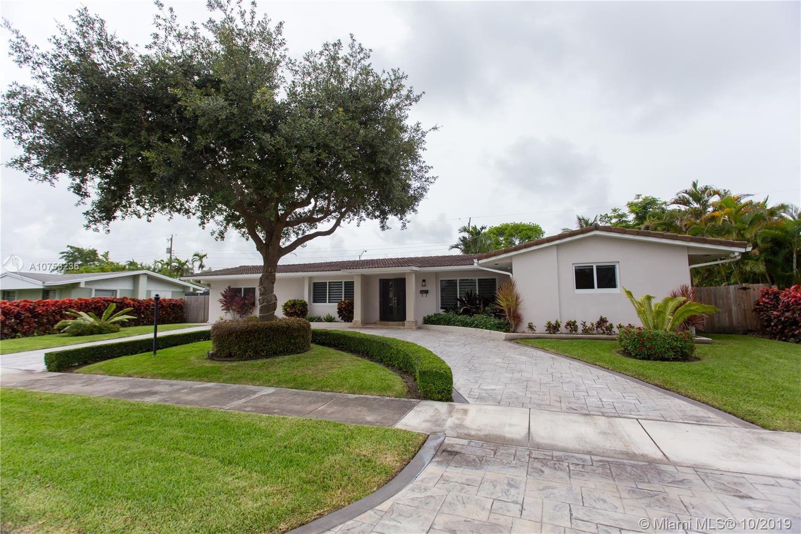 8621 SW 87th Ct  For Sale A10753236, FL