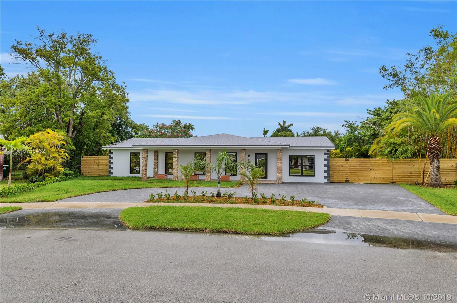 9120 SW 183rd Ter  For Sale A10758432, FL
