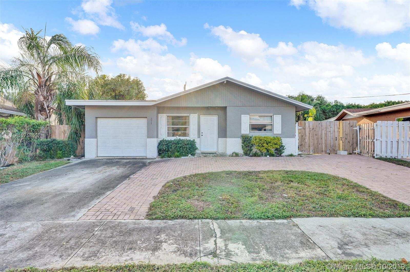 371 SW 33rd Ave, Deerfield Beach, FL 33442