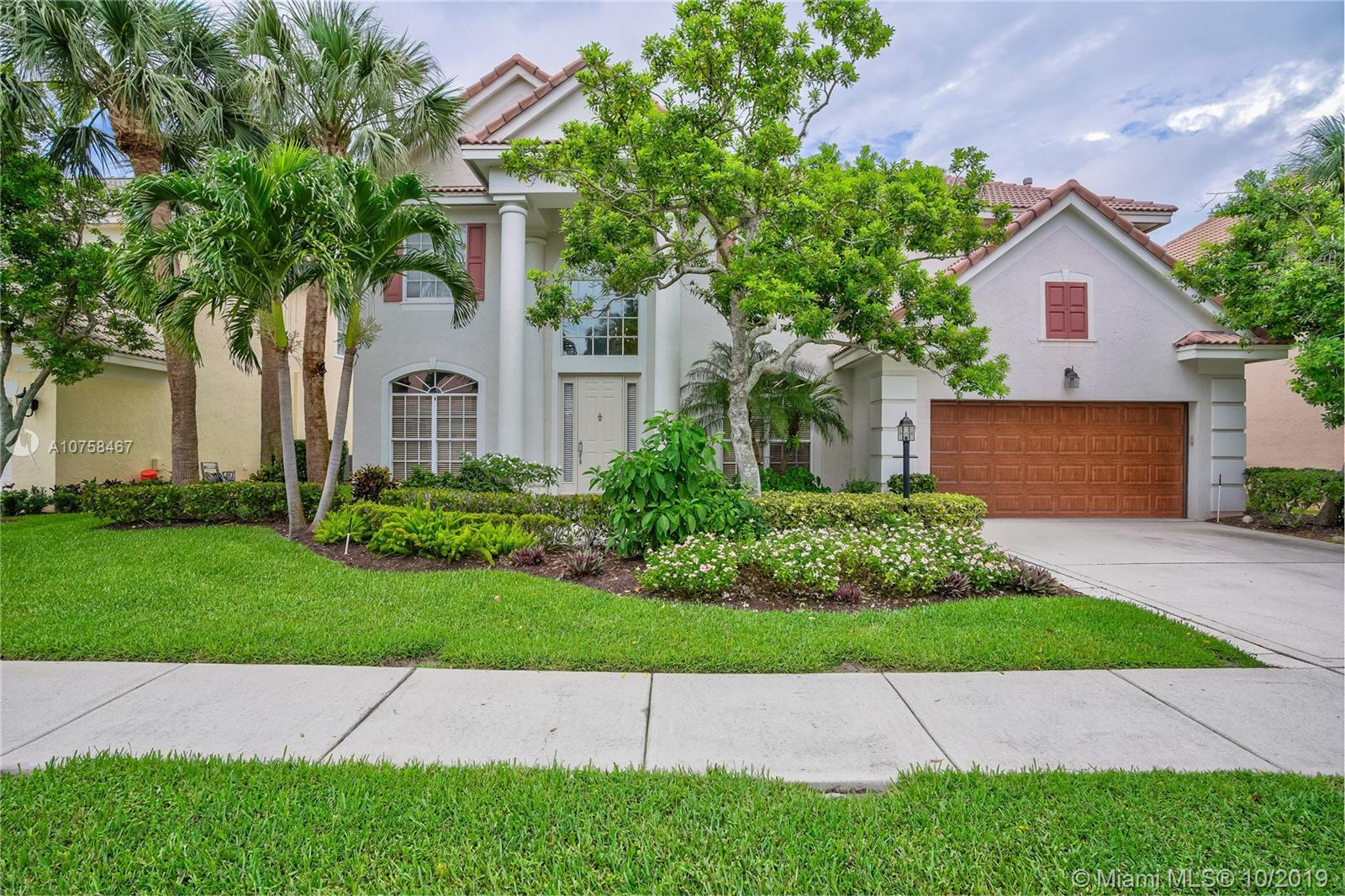 161 Oakwood Ln, Palm Beach Gardens, FL 33410