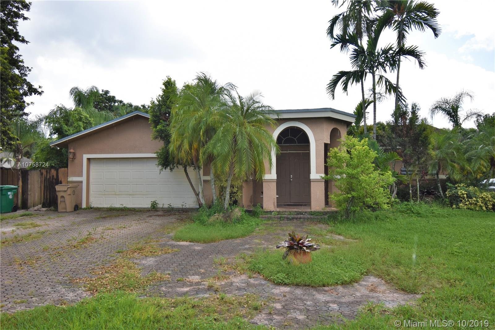 15430 SW 31st St  For Sale A10758724, FL