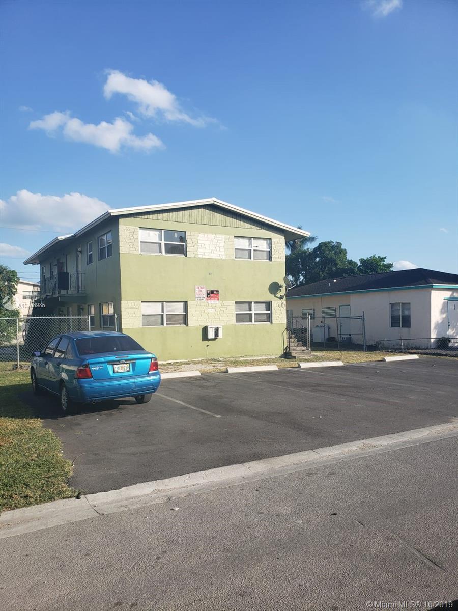 673 SW 7th St, Belle Glade, FL 33430