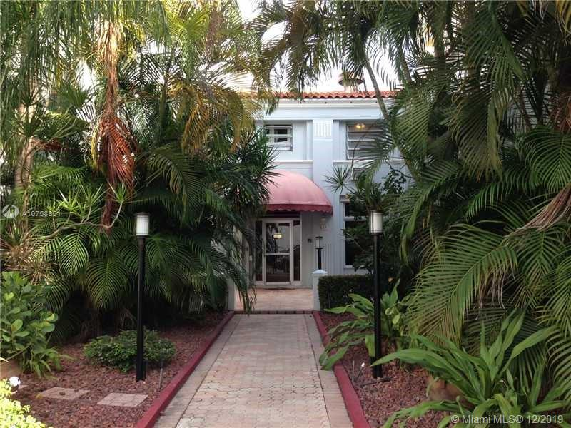 215  30th St #4 For Sale A10758851, FL