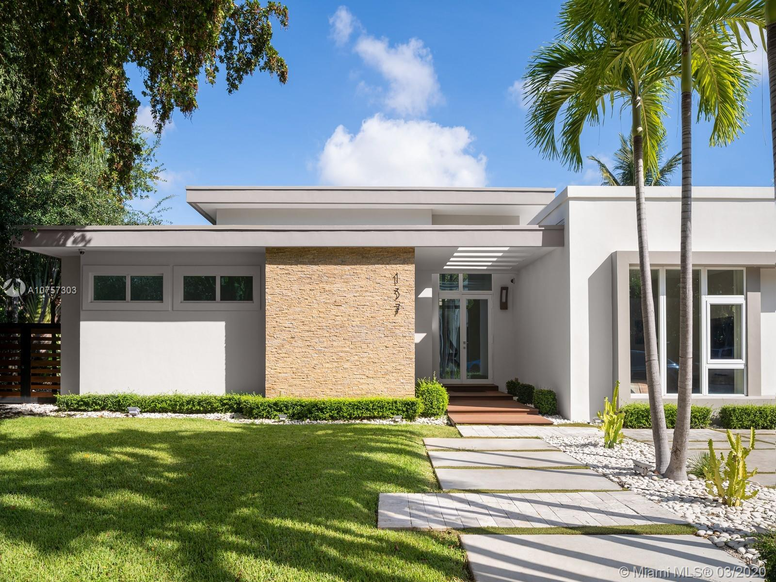 137 W Shore Dr W  For Sale A10757303, FL