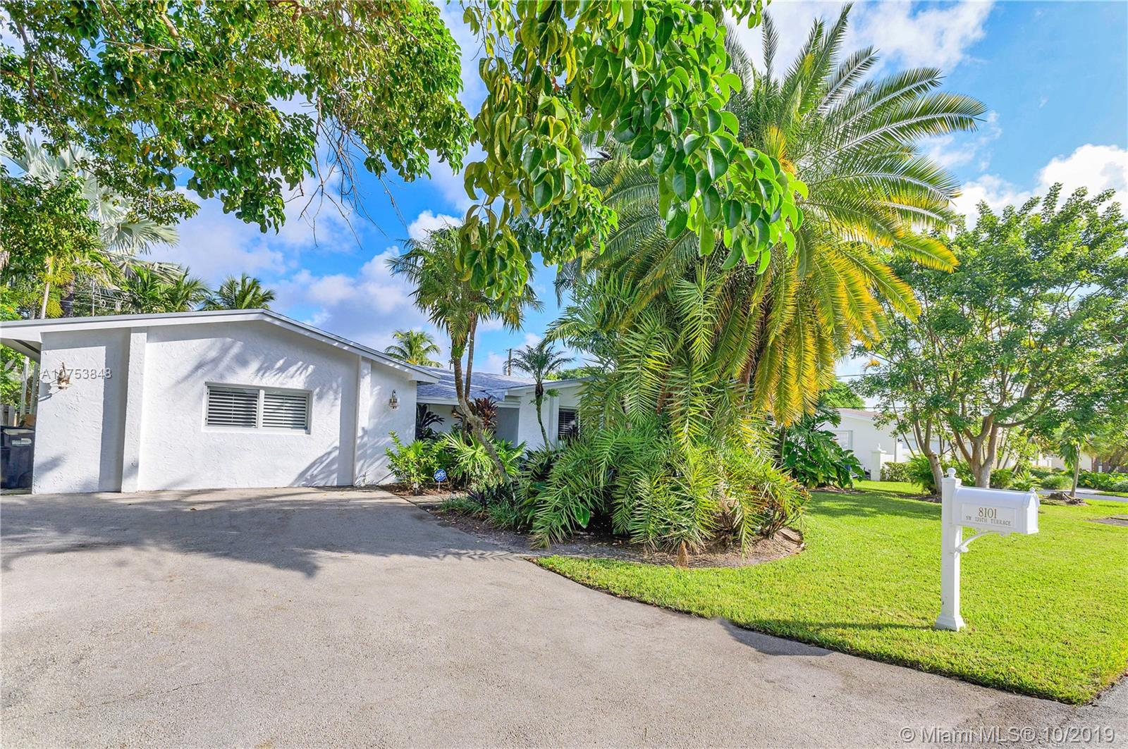 8101 SW 139th Ter  For Sale A10753848, FL
