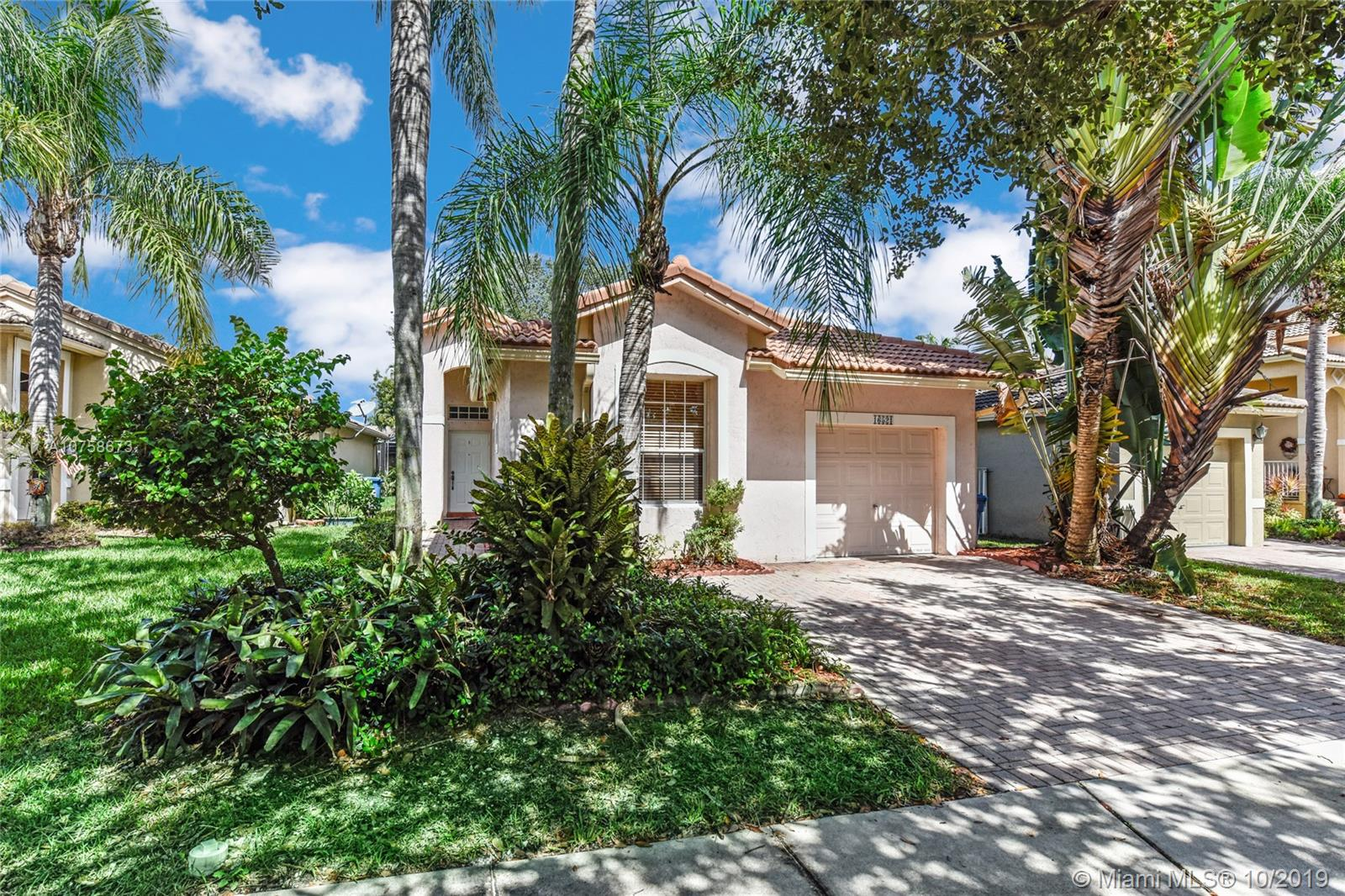 16521  Sapphire St  For Sale A10758673, FL