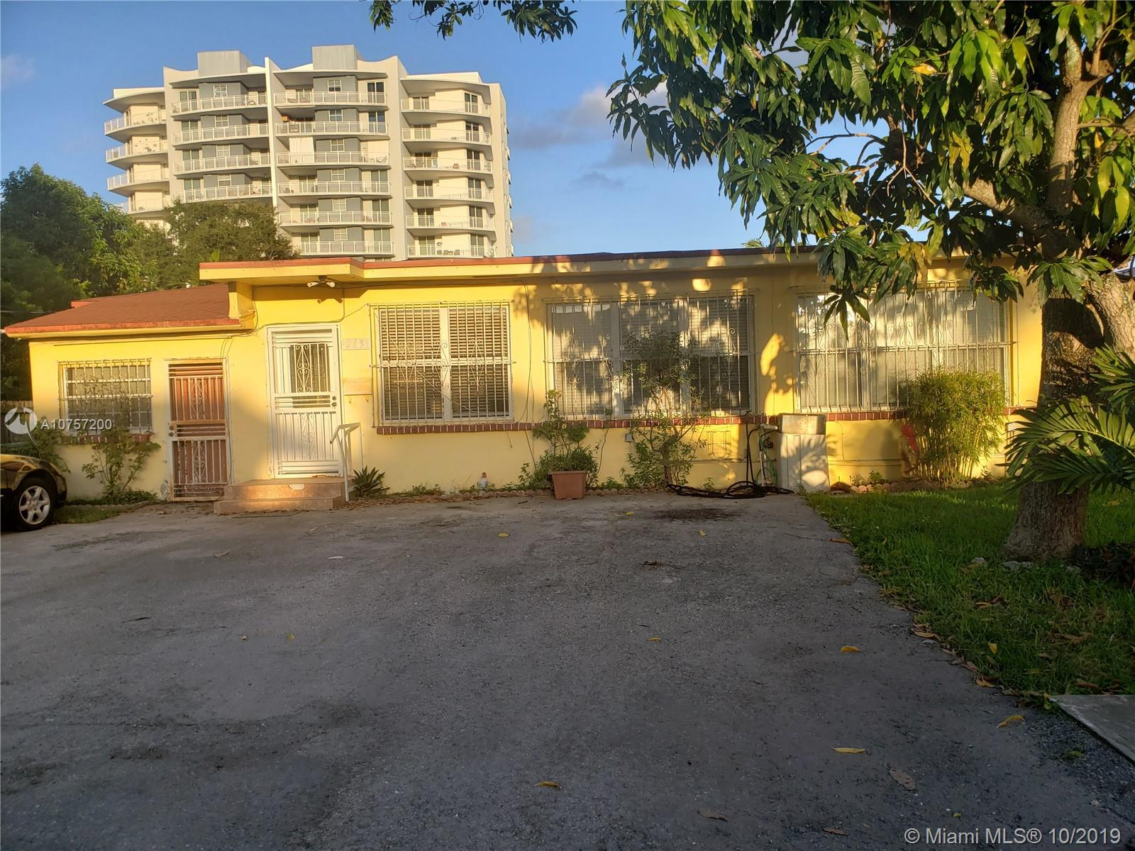 4/3 - Single family home, ceramic Tile floors , formal dining room area, oversized  foyer to huge living/dining spacious kitchen. Bedrooms are good size   new a/c installed 2 years ago.  Roof Replaced a few years ago, mango tree.  Walk to Coconut Grove metro rail, short drive or Lyft to Brickell. Perfect for starter home. This one will sell quick so make your appointment today!.