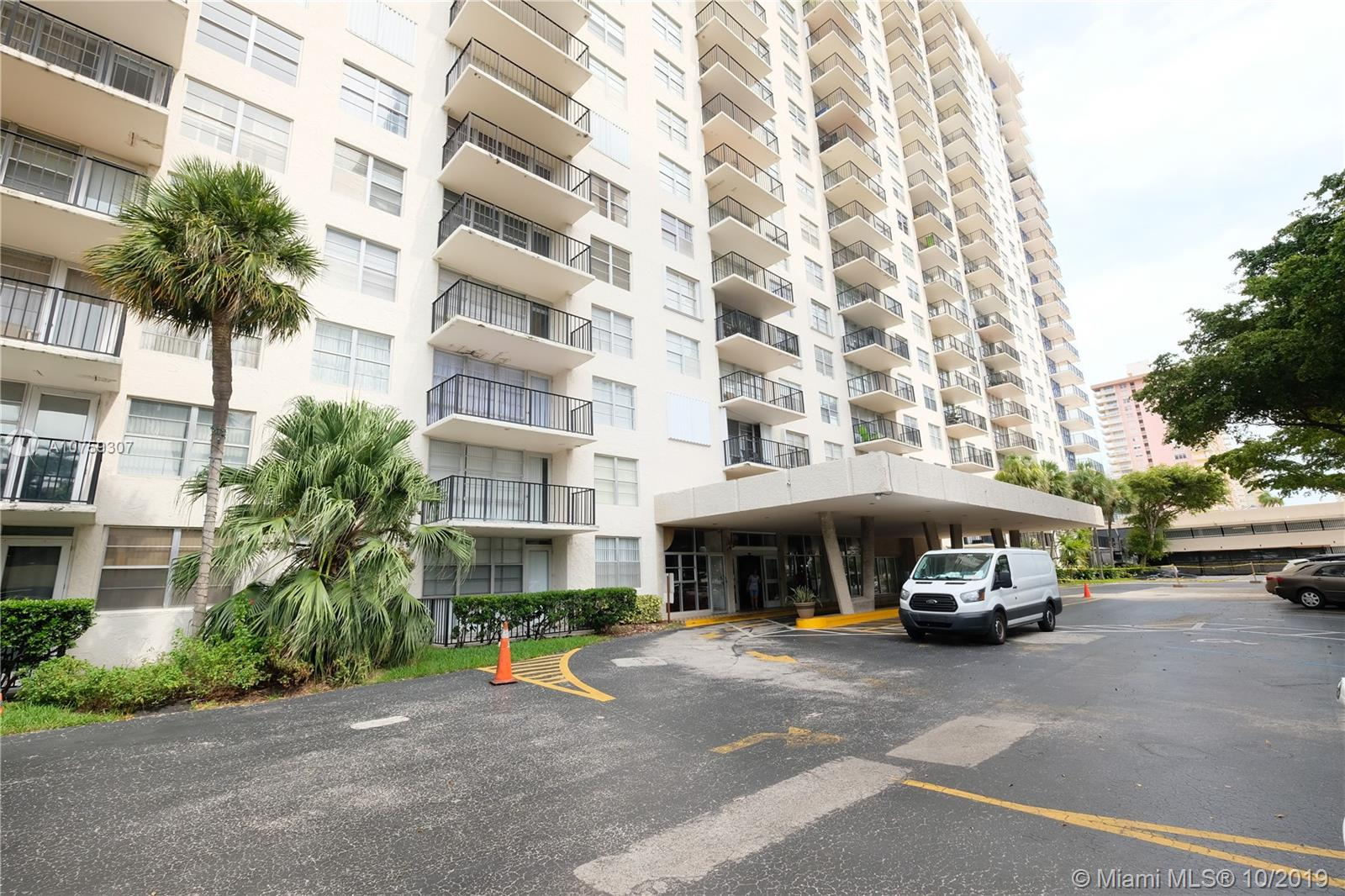 301  174th #2009 For Sale A10759307, FL
