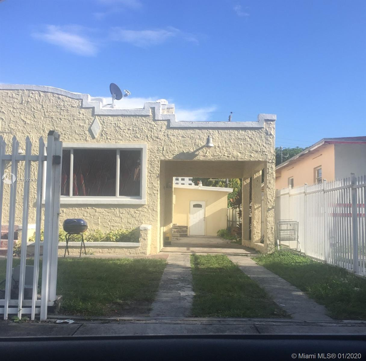 2256 SW 5th St  For Sale A10759368, FL