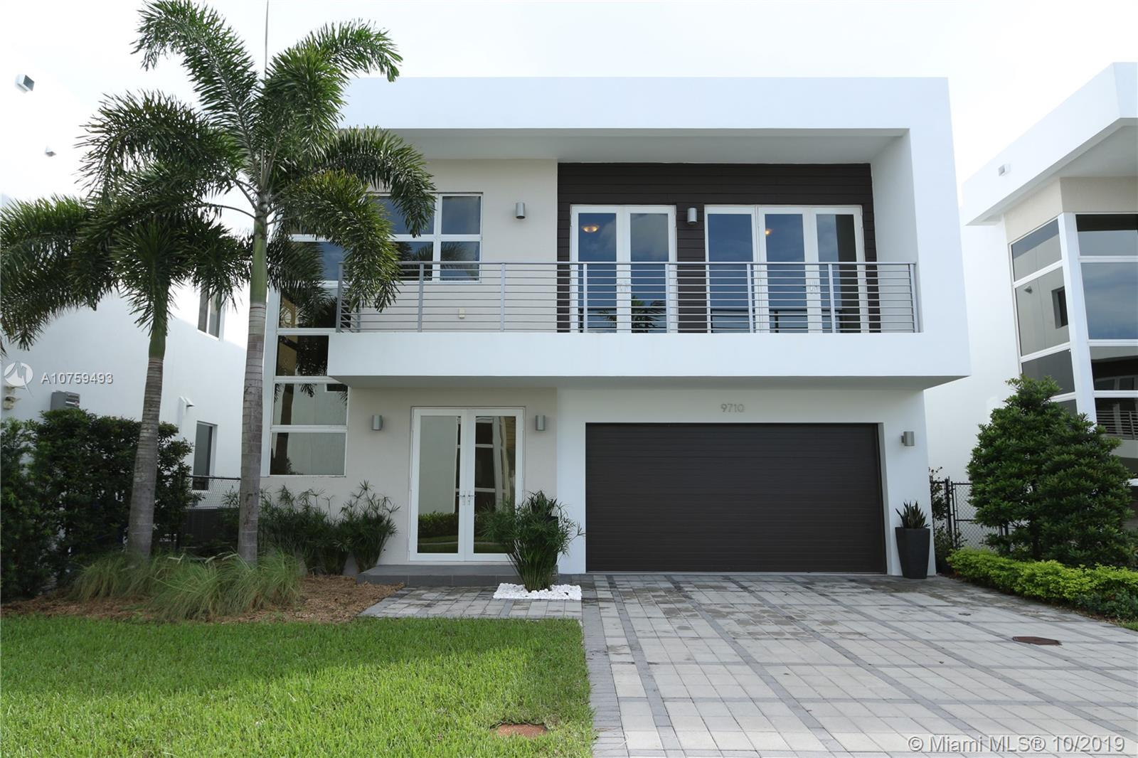9710 NW 74th Ter  For Sale A10759493, FL