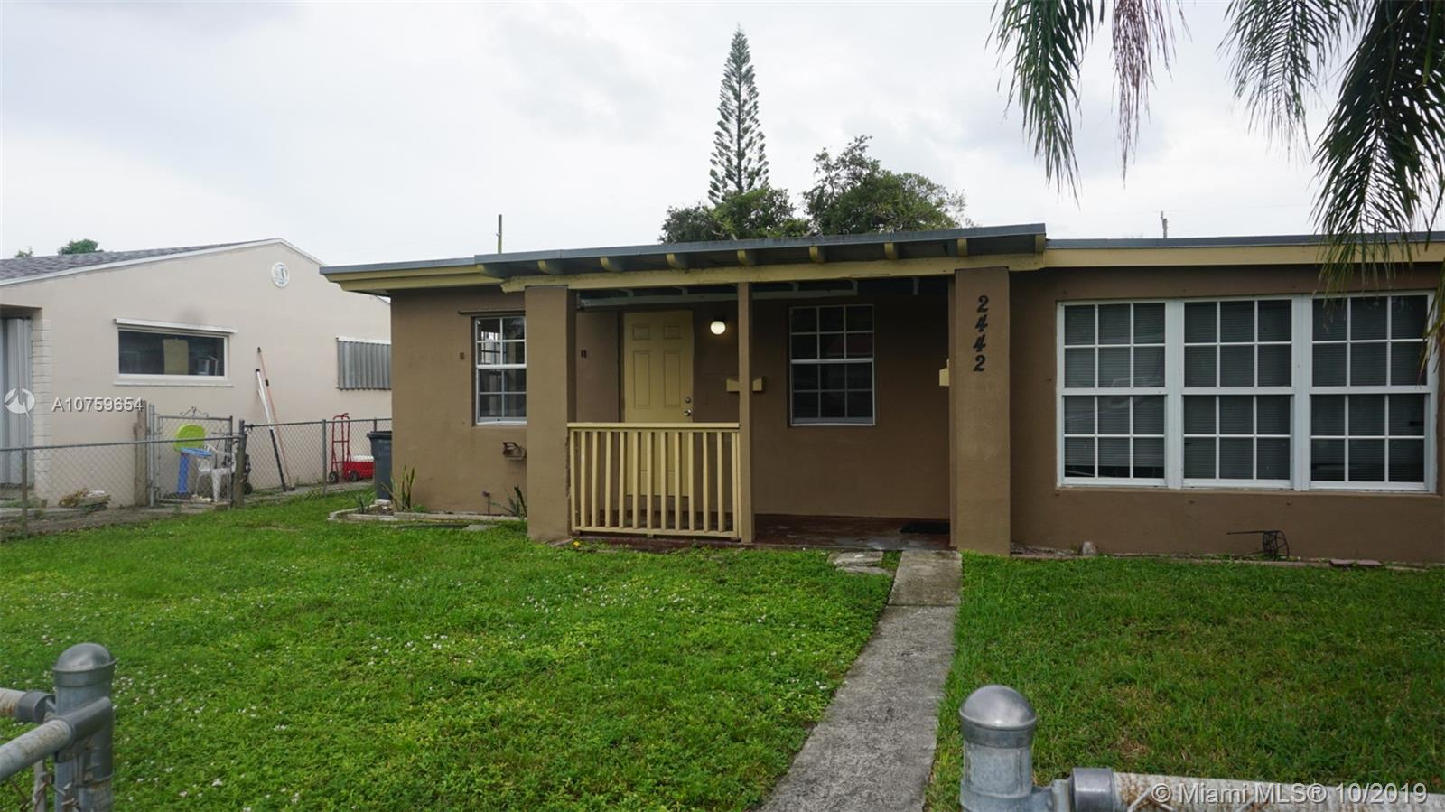 2442  Coolidge St #East For Sale A10759654, FL