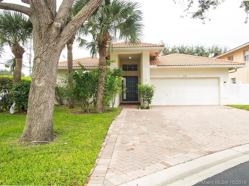 136 Hidden Hollow Ter, Palm Beach Gardens, FL 33418