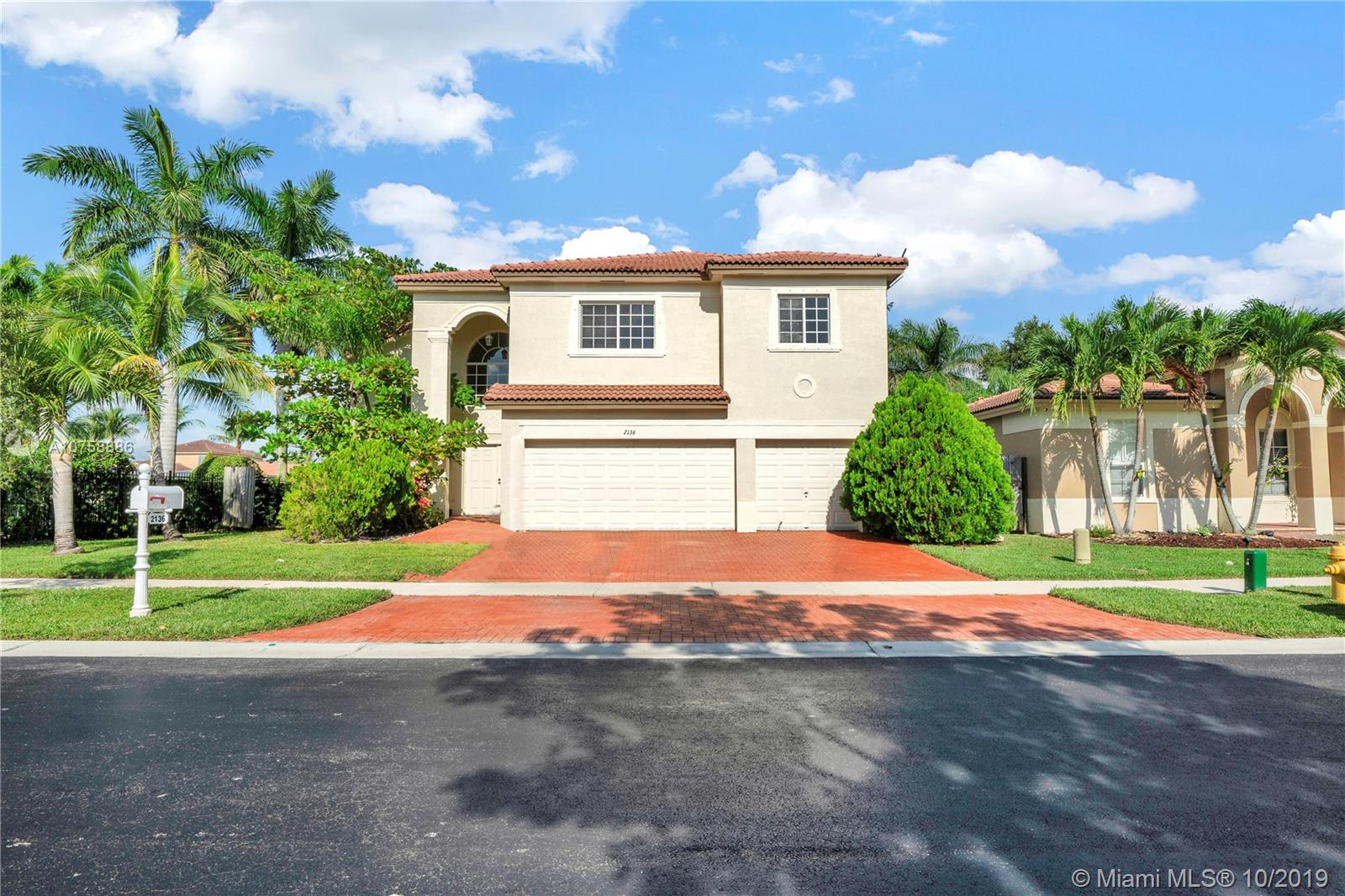 2136 NE 38th Rd  For Sale A10758886, FL