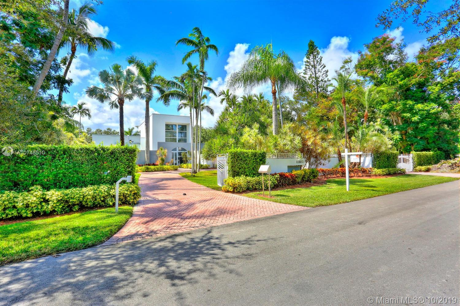 9500 SW 60th Ct  For Sale A10748510, FL
