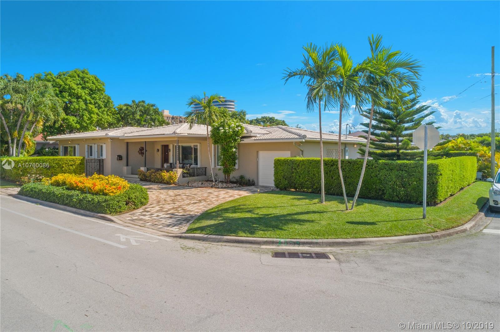 424  89th St  For Sale A10760086, FL