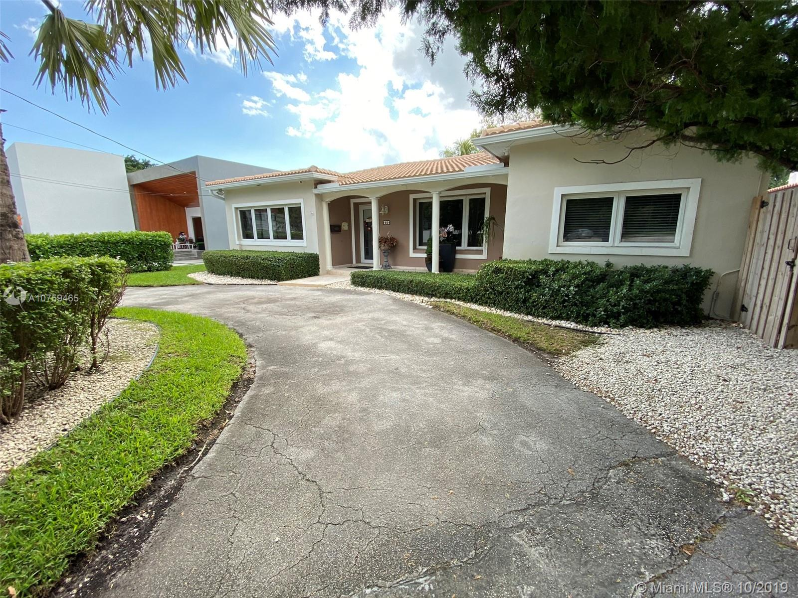 60 SW 30th Rd  For Sale A10759465, FL